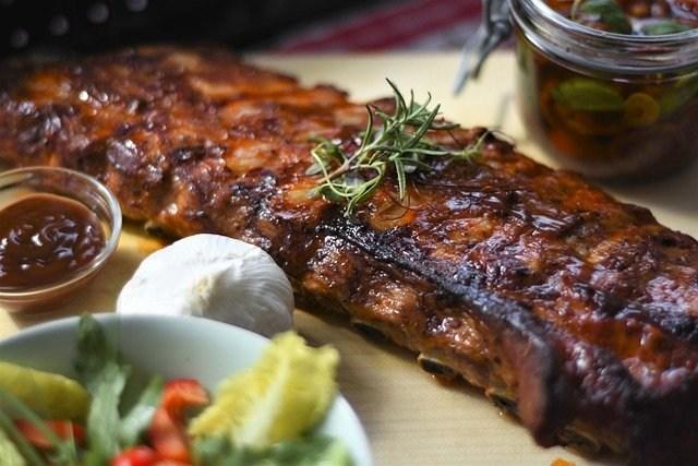prenosni žar meso